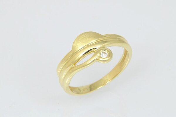 Ženski prstan iz rumenega zlata s cirkonom