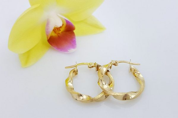 Ženski uhani iz rumenega zlata, okrogli, spiralno zaviti