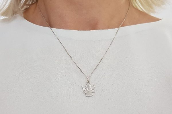 Srebrn otroški ali ženski obesek angel križ