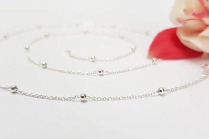 Nežna srebrna verižica