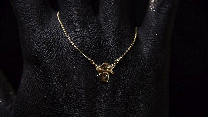 zlat obesek angel s cirkoni