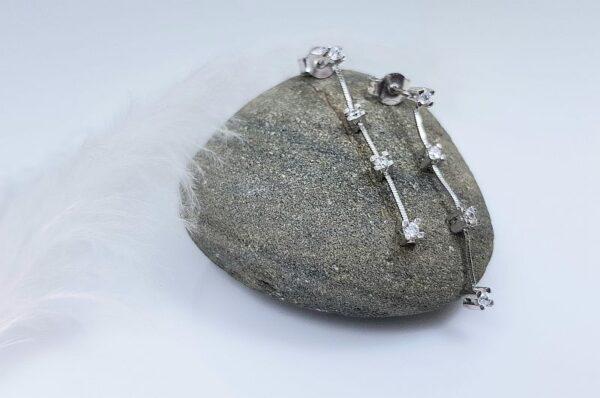 Ženski uhani iz belega zlata viseči s cirkoni