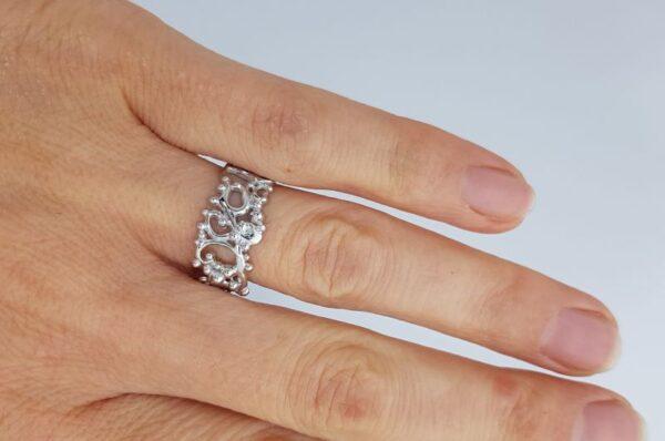 Srebrn ženski prstan vitice