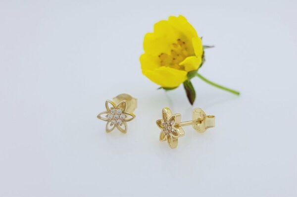 Otroški ali ženski uhani iz rumenega zlata roža s cirkoni