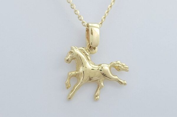 Ženski obesek iz rumenega zlata konj