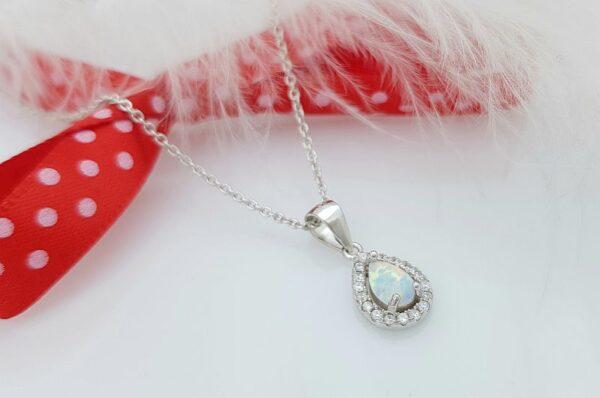 srebrn ženski obesek, solza, z belim opalom in cirkoni
