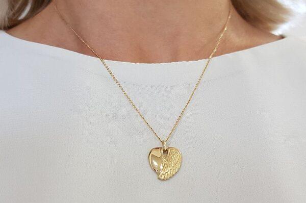 Ženski obesek iz rumenega zlata srce in angelsko krilo