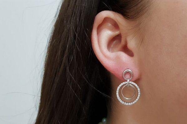 Srebrni ženski uhani s cirkoni krogi