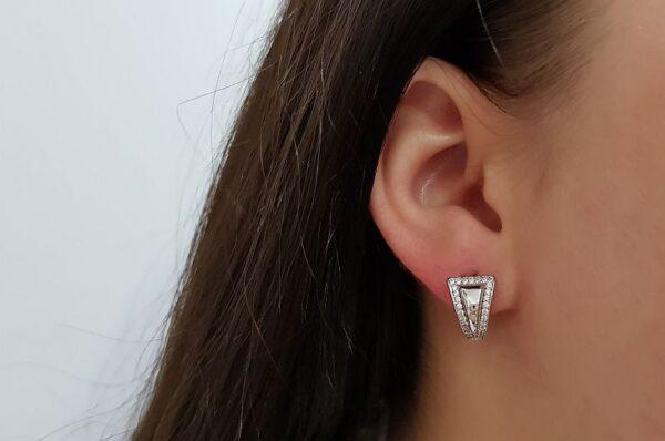 Srebrni ženski uhani s cirkoni trikotni okrogli
