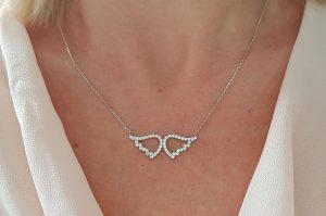 Srebrna ženska verižica angelska krila s cirkoni