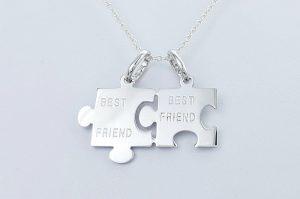 Srebrn obesek puzle best friend