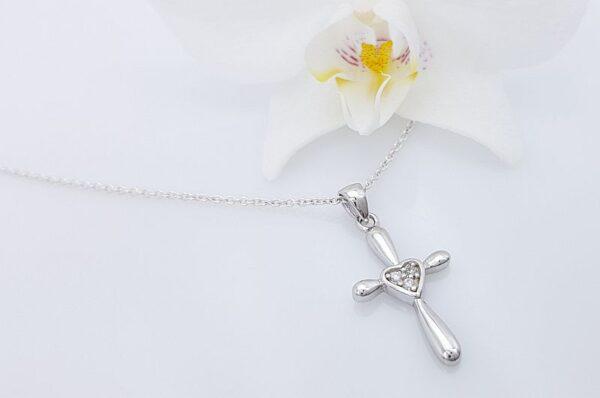 Srebrn otroški obesek križ s cirkoni
