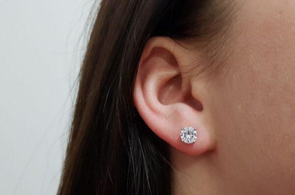 Srebrni ženski uhani okrogel cirkon 6 mm