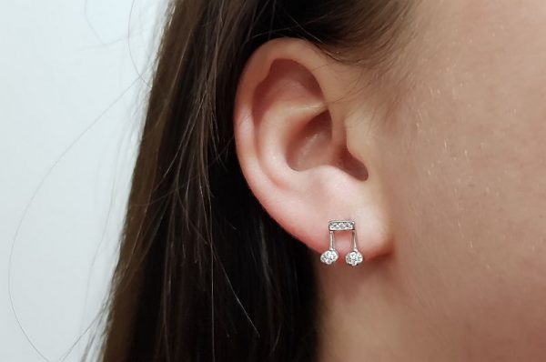 Srebrni ženski uhani glasbena nota