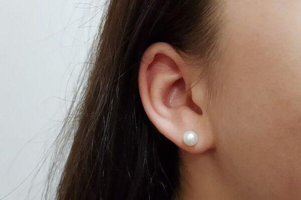 Srebrni ženski uhani biser 6 mm