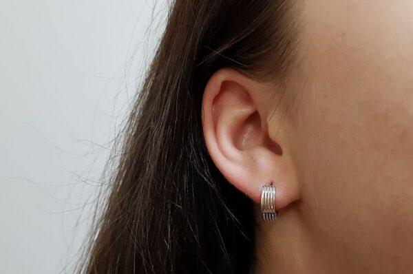 Srebrni ženski ali moški uhani okrogli