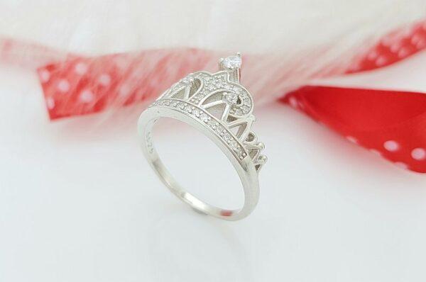 Srebrn ženski prstan s cirkoni, krona ali tiara