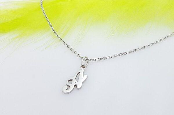 Srebrna ženska ali otroška verižica, inicialka s cirkonom