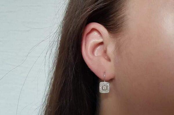 Ženski uhani iz belega zlata, kvadratna krona s cirkoni