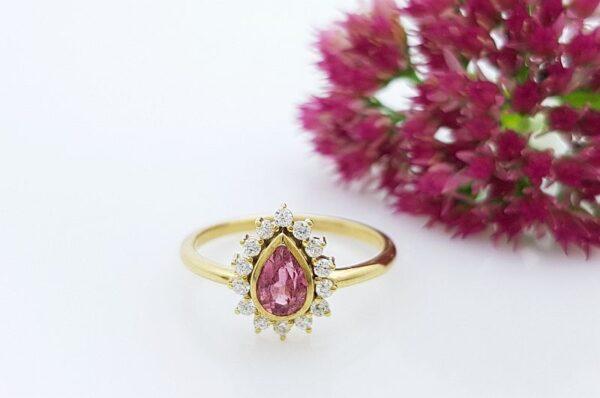 Ženski prstan iz rumenega zlata s cirkoni, solza, Turmalin