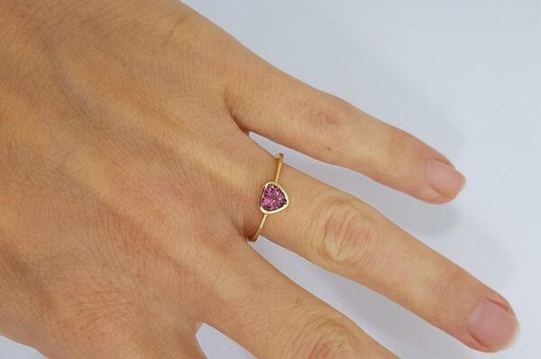 Ženski prstan iz rumenega zlata, srce, Turmalin